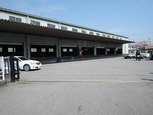 高床式二階建て倉庫