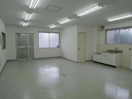 倉庫内1階 事務所