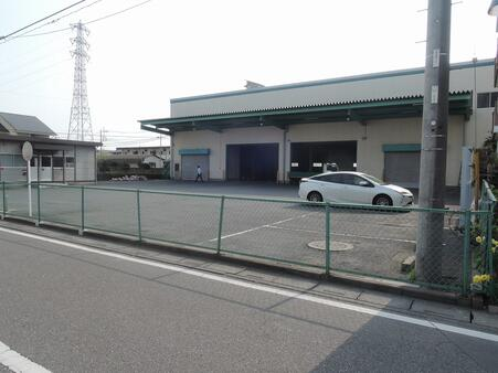 倉庫外観 前面ヤード