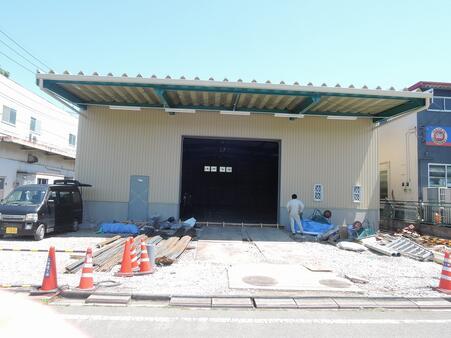 倉庫外観 新築工事中