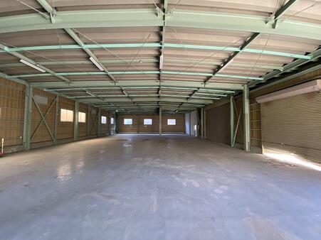 一階 倉庫内部