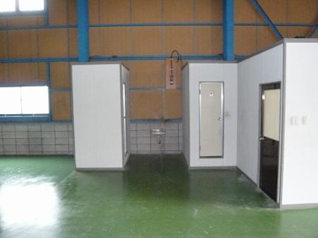 倉庫内トイレ