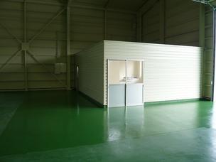 倉庫内事務所