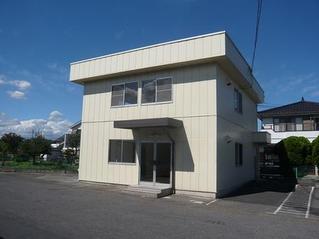 二階建て事務所棟