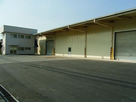 倉庫B棟・事務所