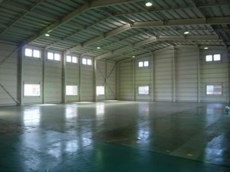 倉庫内部2
